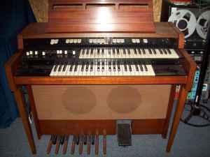 hammond l-102 tone wheel organ - $100 eagle point, or.