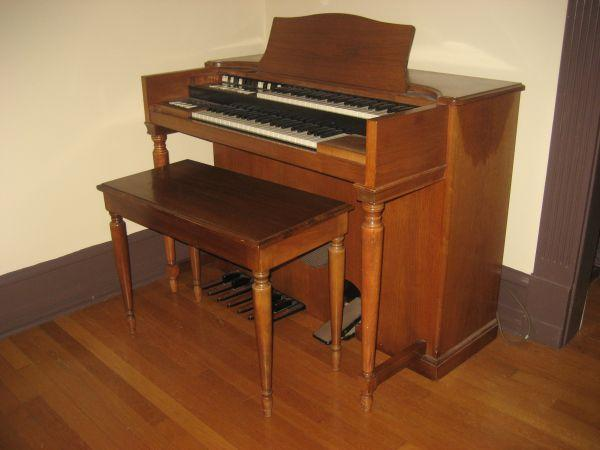 hammond organ springfield mo for sale in springfield missouri classified. Black Bedroom Furniture Sets. Home Design Ideas