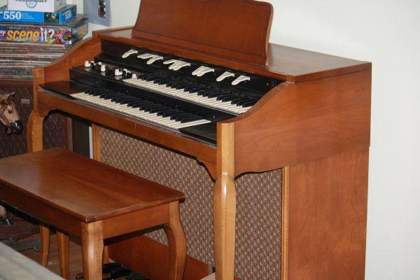 Hammond Organ L-133 - (Bartlett Area) for Sale in Memphis ...