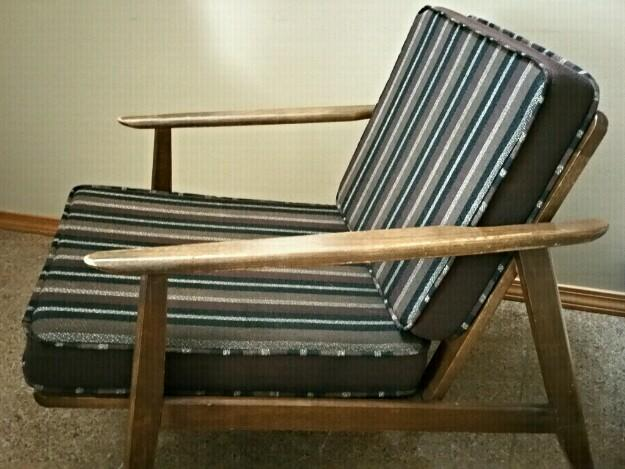 Hans Wegner Retro Midcentury Armchair With Striped Cushions For Sale In Seattle Washington