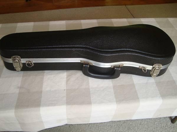 Hard shell 44 Violin Case - $25