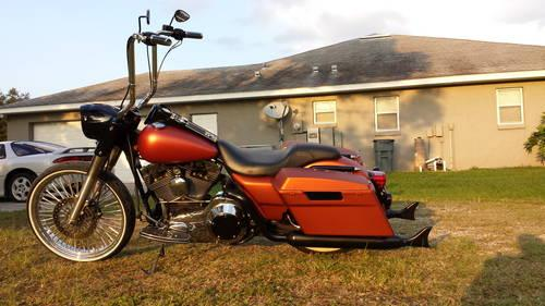 Harley Davidson Road King Touring 23 inch custom bagger