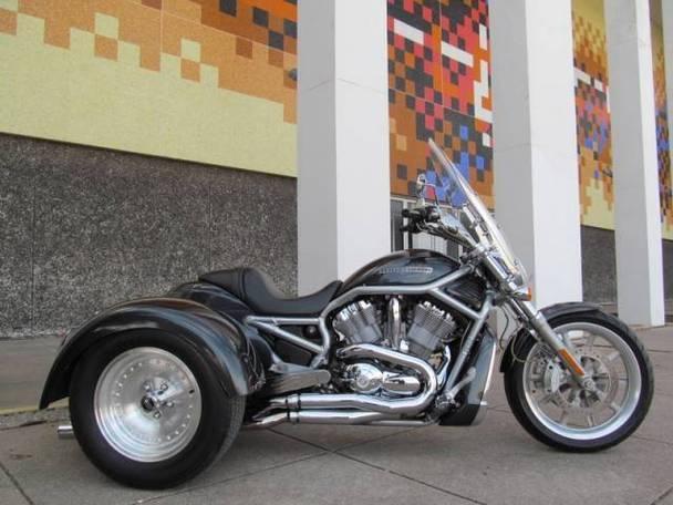 Harley Davidson V Rod Trike VRSCA for Sale in Arlington