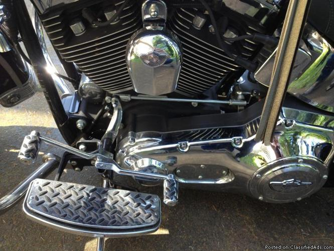 Harley Davidson Heritage Softail Th Anniversary Gold Key
