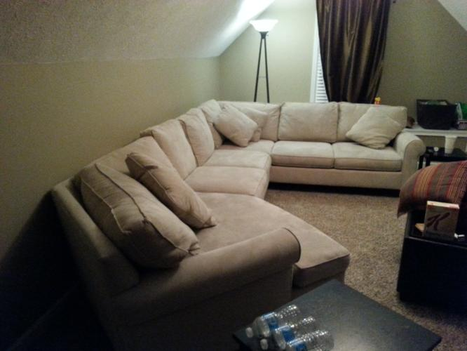 Havertys Amalfi Sectional couchsofa for Sale in Adams Tennessee
