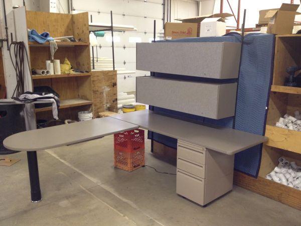 Bon Haworth Office Cubical Furniture 600 Obo   $600