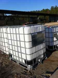 Heavy duty plastic tote container (IBC) 275 & 330 Gals.