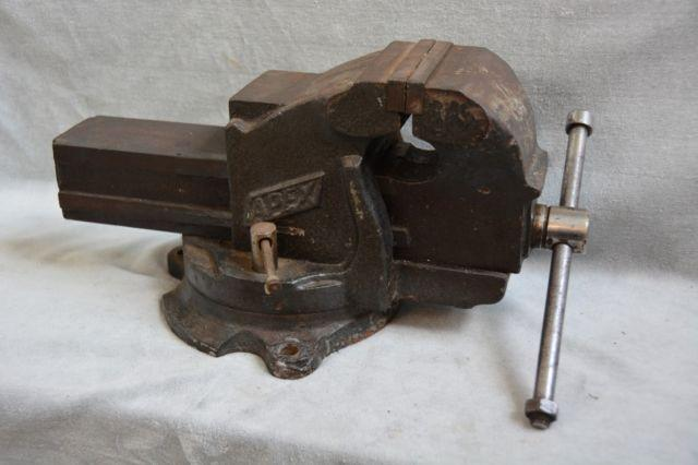 Heavy Large Vintage Apex No 3 Bench Vise For Sale In