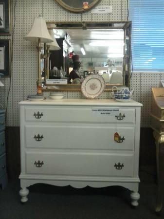 Hecht Brothers Circa 1920 Dresser For Sale In Bino