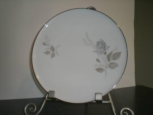Heinrich H  Co Selb, Bavaria, Germany, fine china Grey Rose pattern