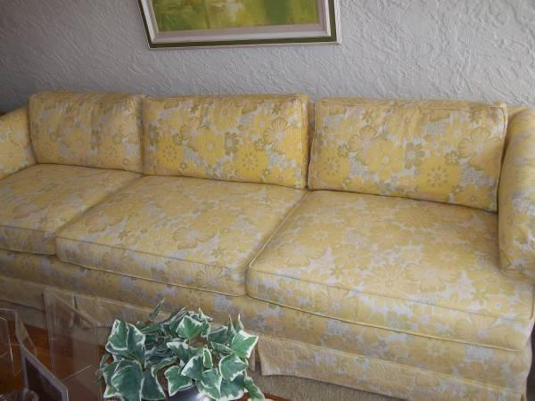 Henredon Beautiful Vintage Mid Century Sofa In Excellent