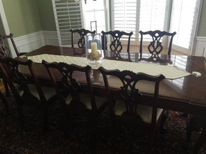 Henredon Dining Room Table, 2 Leafs, 8 Chairs for Sale in ...