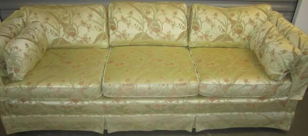 HENREDON SOFA COUCH**ASIAN STYLE BIRD PRINT For Sale In Riverton, New York