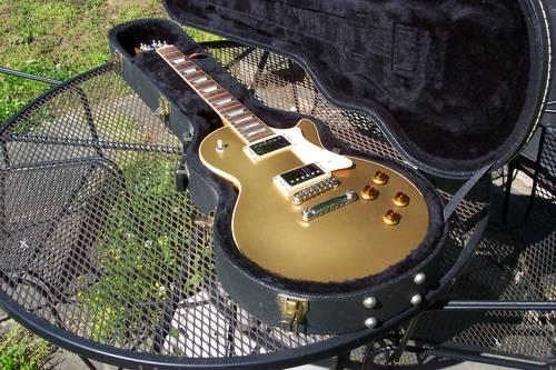 Heritage H-150 Gold Top Les Paul With Factory Hardshell