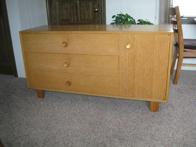 Herman Miller Eames Mid Century Modern Tables And Bedroom