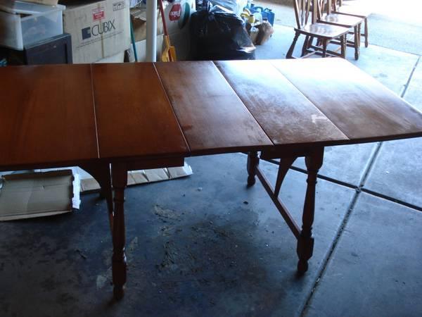 Heywood And Wayfield Mid Century Cherry Oak Dining Table With - Mid century oak dining table