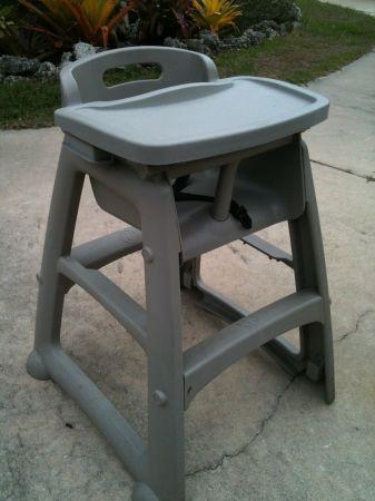 High Chair By Rubbermaid Englewood For Sale In