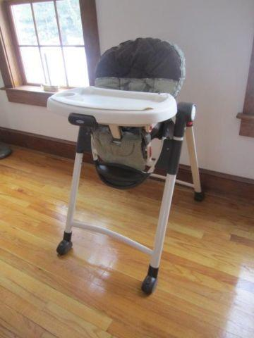 High Chair~Super Clean & Excellent + Stroller~Good