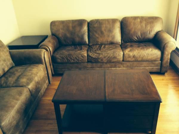 High Quality Leather Sofa And Loveseat Like New For Sale