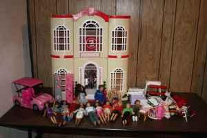 High School Musical Barbie House W 14 Barbies Furniture More Pueblo West For Sale In