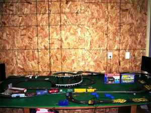 HO train set with crossing electric slot car track - (Stevens Point ...
