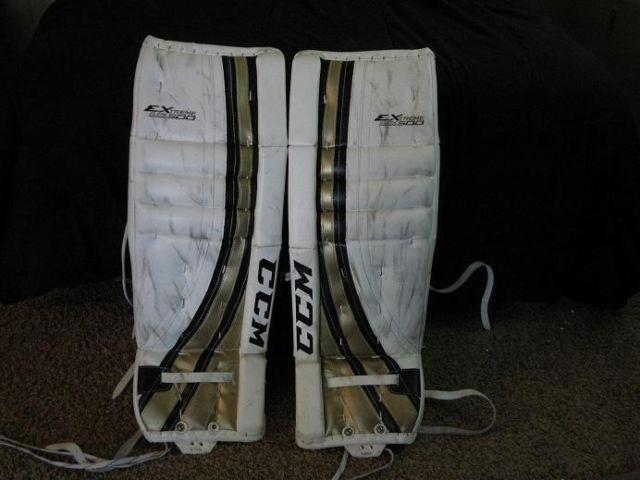 Hockey Goalie Leg pads, blocker, and catch glove-Sr.