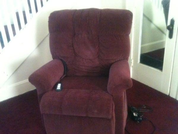 Home Health Lift Care Chair - $700 (Avon)