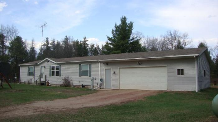 Home on 9.5 acres, LG pole bldg, next to State Land &