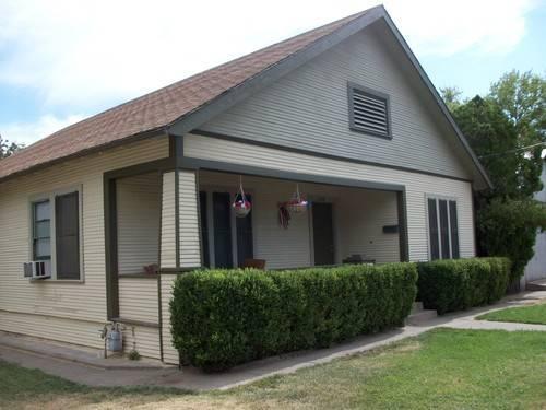 Home with 1200 sq ft shop full basement hardwood floors for Hardwood floors 1200 square feet