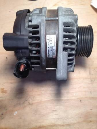 Honda Accord 2003 to 2007 OEM Denso Alternator - $30