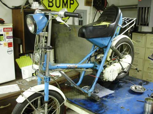 Honda Express II 50cc vintage Moped scooter project parts