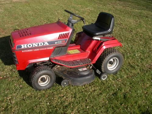 Honda HT4213 2 Cylinder Liquid Cooled Lawn Tractor