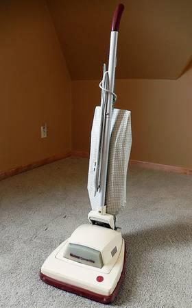 HOOVER CONVERTIBLE UPRIGHT VACUUM CLEANER