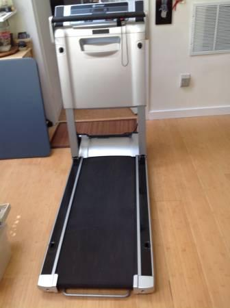 Treadmill Review Master: Horizon Evolve SG Compact ...