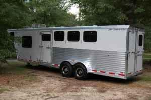 Horse trailer 4 horse slant with LQ - $29500