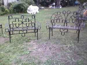 HORSESHOE BENCHES TABLES CHAIRS   $1 (ANNISTON)