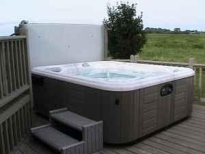 Hot tub - $5500 (Kerkhoven)