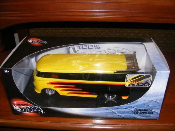 Hot Wheels 100 118 scale VW Drag Bus - $15