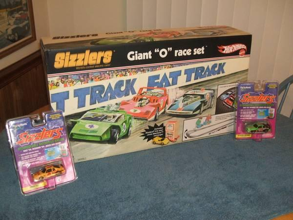 hot wheels sizzlers track sets for sale in climax. Black Bedroom Furniture Sets. Home Design Ideas