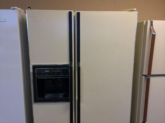 Hotpoint Bisque Side By Side Refrigerator Freezer Used