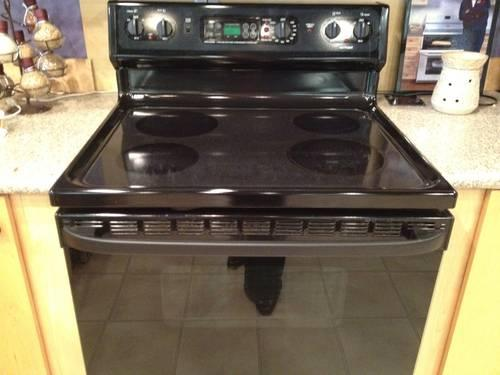 Hotpoint Black Smooth Top Electric Range Stove Oven Used