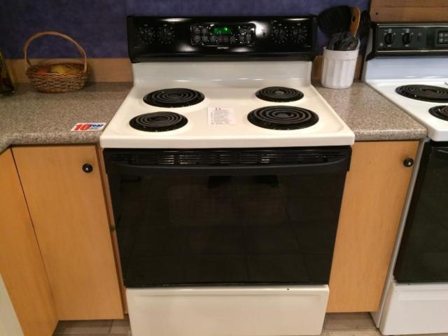 White Electric Stove ~ Hotpoint black white electric range stove oven used