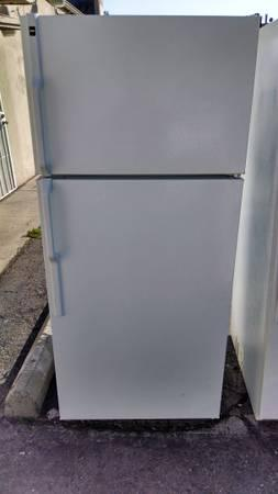 HOTPOINT REFRIGERATOR APARTMENT SIZE - for Sale in Highland Lake ...