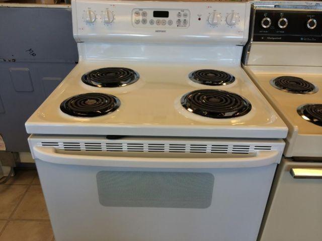 White Electric Stove ~ Hotpoint white electric range stove oven used for sale