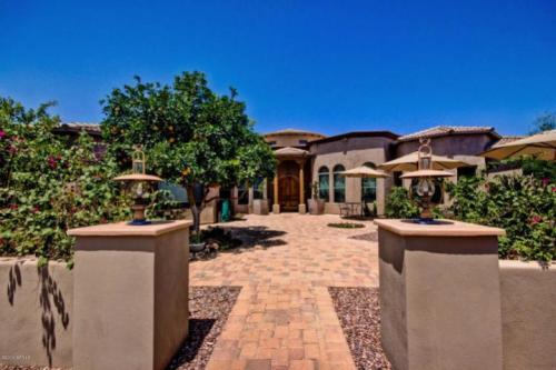 houses homes for sale in chandler arizona in s 6br