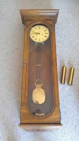 HOWARD MILLER KEY-WOUND SINGLE WESTMINSTER CHIME WALL CLOCK - $450 na