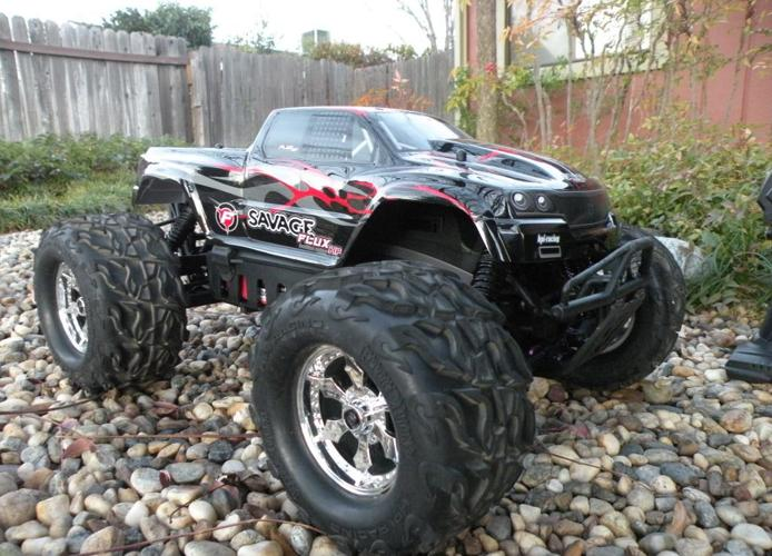 slayer rc truck with Hpi Savage Flux Hp Brushless Monster Truck Rc Car 650 Redding 21492723 on Rc Auto Traxxas Nitro Slayer additionally 141844272307 as well Traxxas 2215 Receiver Wiring Diagram further Traxxas Wallpaper also Traxxas Xmaxx Rc Truck.