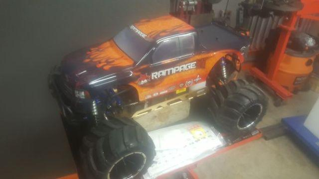 Huge 15th scale gas powered RC 4x4 Monster Truck