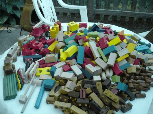 Huge lot wooden building blocks trains cars sand for Build on your lot oklahoma