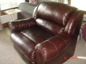 Huge Oversized Leather Recliner New Condition